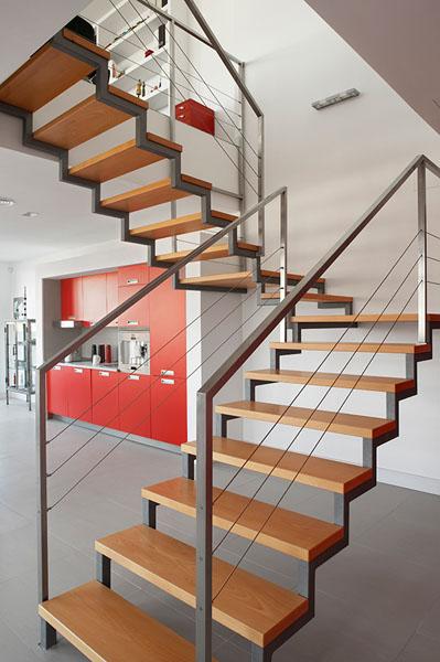 00-escalera-edificio-oficinas-madrid-arquitectos-savorelli-noguerales-SN
