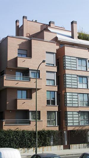 01-edificio-24-viviendas-conde-orgaz-madrid-arquitectos-savorelli-noguerales-sn