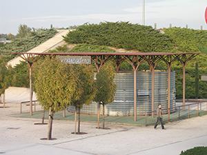 01-urbano-kiosko-bebidas-parque-juan-carlos-I-madrid-arquitectos-savorelli-noguerales-sn