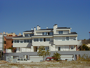 01-vivienda-unifamiliar-3-adosadas-aravaca-madrid-arquitectos-savorelli-noguerales-sn