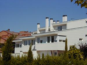 02-vivienda-unifamiliar-3-adosadas-aravaca-madrid-arquitectos-savorelli-noguerales-sn