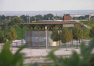 03-urbano-kiosko-bebidas-parque-juan-carlos-I-madrid-arquitectos-savorelli-noguerales-sn