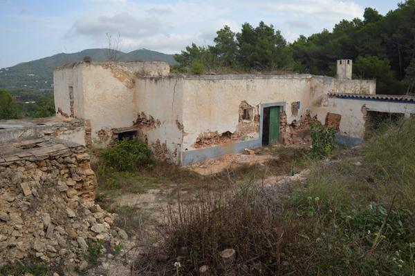 03-vivienda-unifamiliar-aislada-ibiza-3-arquitectos-savorelli-noguerales-SN
