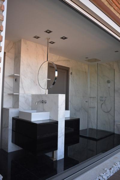 04-baño-principal-atico-savorelliynoguerales